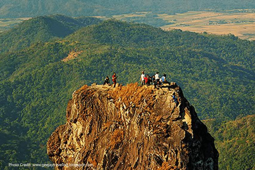 Pico-de-Loro,-Cavite