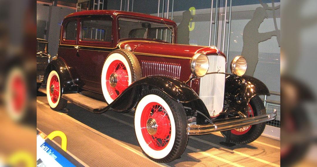 Ford V-8 of 1932
